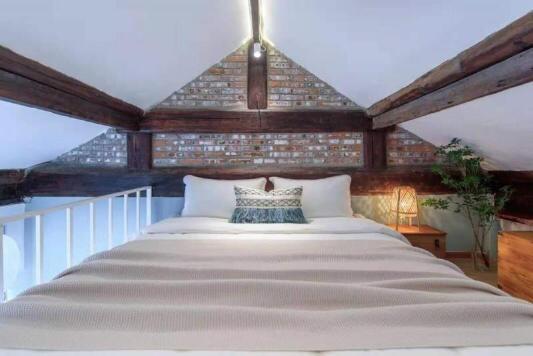 Beijing-Dongcheng-出租,北新桥胡同loft一居室,🏠