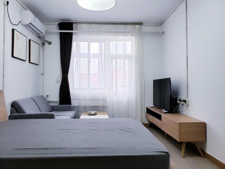 Beijing-Chaoyang-Line 6/10,Seeking Flatmate,Shared Apartment