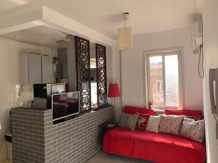 Beijing-Dongcheng-2bedrooms,👯♀️,Long & Short Term,LGBT Friendly 🏳️🌈,Seeking Flatmate,Pet Friendly,Shared Apartment