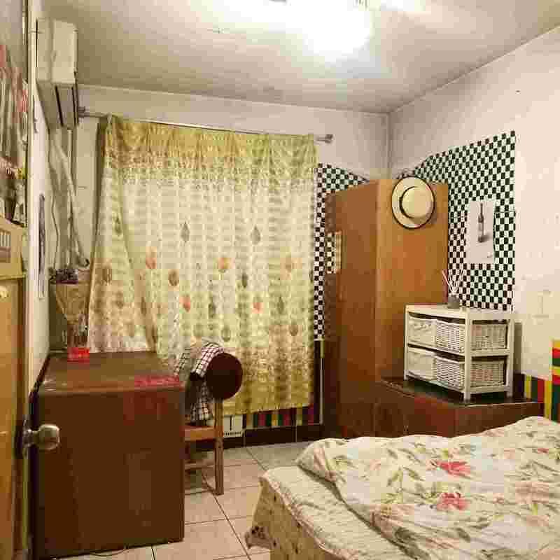 Beijing-Dongcheng-Dongzhimen,Shared Apartment,LGBT Friendly 🏳️🌈,👯♀️,Seeking Flatmate