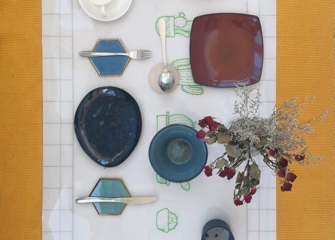 Dinner table mat