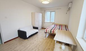 Beijing-Dongcheng-👯♀️,master bedroom,Long & Short Term,Short Term,Seeking Flatmate,Sublet,Replacement,Shared Apartment,LGBTQ Friendly,Pet Friendly