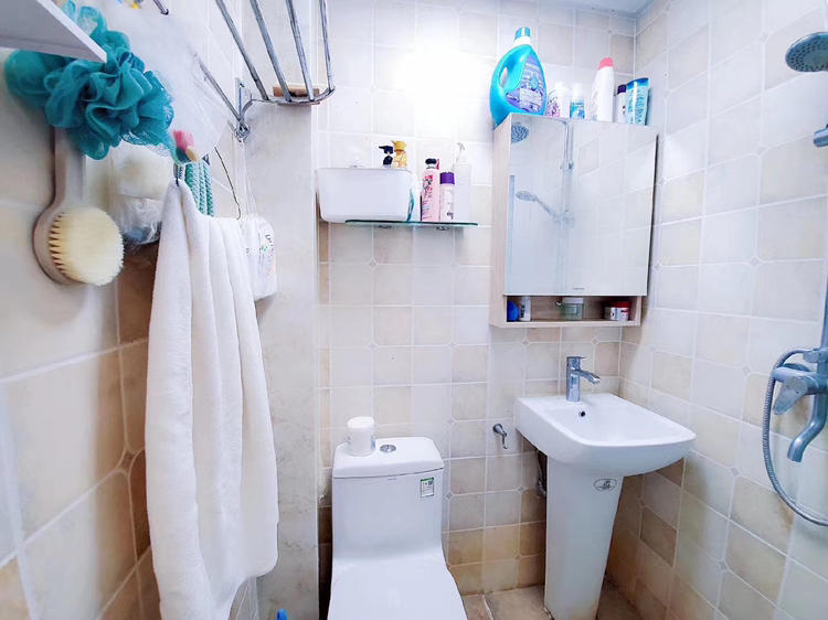 Beijing-Chaoyang-👯♀️,Seeking Flatmate,LGBT Friendly 🏳️🌈,Pet Friendly,Shared Apartment