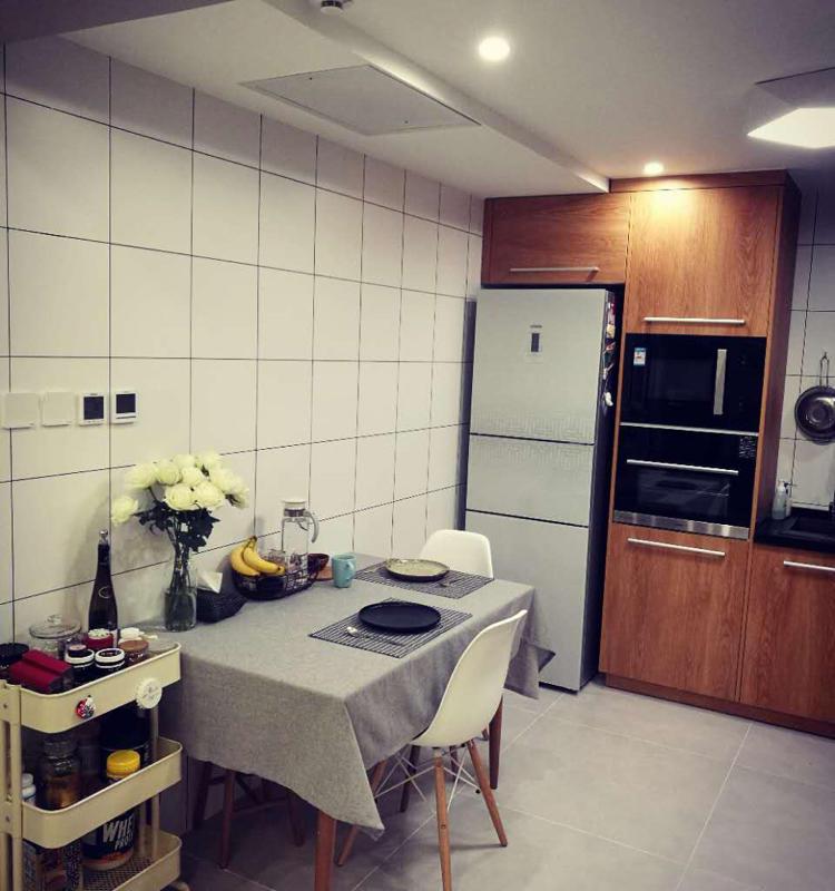 Beijing-Chaoyang-English-speaking,Line 1,Seeking Flatmate,Shared Apartment
