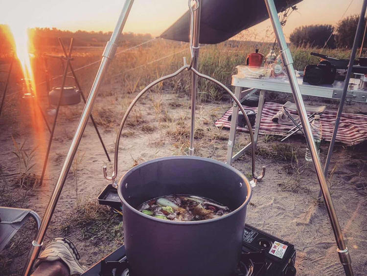 Trip: Camping + BBQ + Beer | 十一假期我们一起去房车露营,一起安营扎寨,烧烤和啤酒