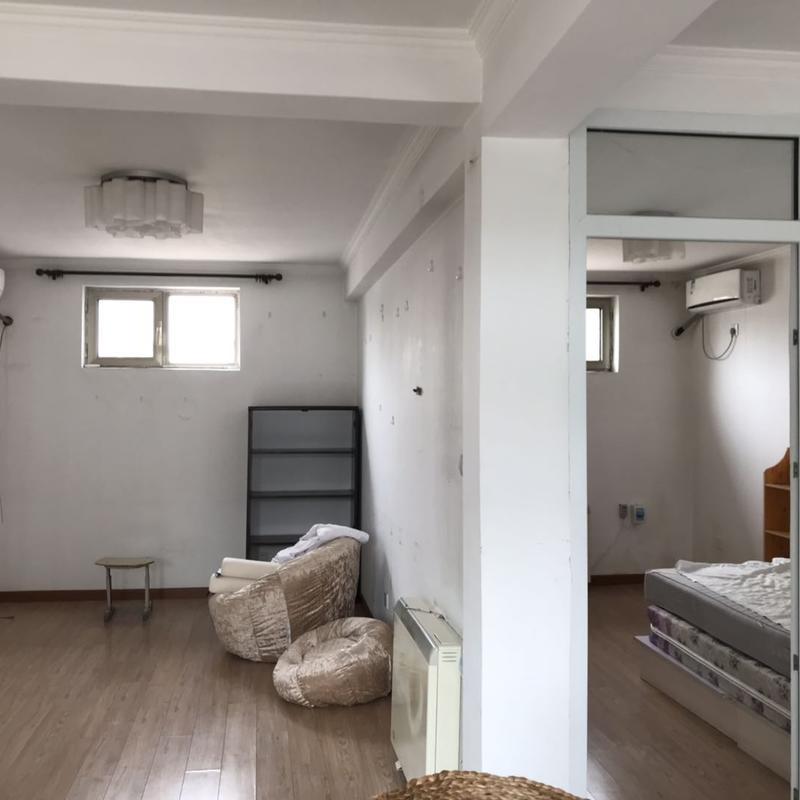 Beijing-Dongcheng-Hutong,2 bedrooms,Downtown,Line 5,🏠,Long & Short Term,Single Apartment